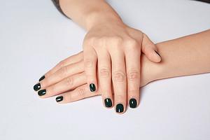 Как сделать красивый маникюр на короткие ногти