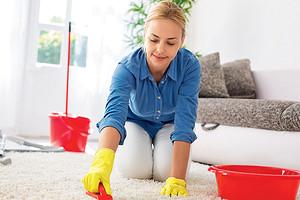 Как очистить ковер в домашних условиях: 8 вариантов, которые тебя не напрягут