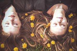 Женская дружба: зачем нам близкие подруги?
