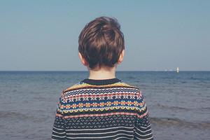 Как распознать симптомы аутизма у детей: признаки, которые должны насторожить