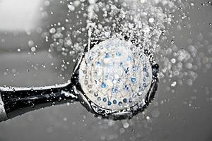 5 способов смягчить воду для мытья волос