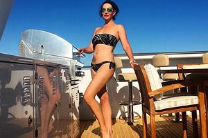 49-летняя Алика Смехова показала отличную фигуру в бикини