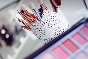 Как не выглядеть старше: 11 правил идеального макияжа