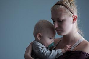 Как распознать послеродовую депрессию и излечиться?