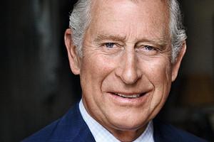 Портные принца Чарльза объяснили, зачем он 30 лет хранит кусочки ткани от костюмов