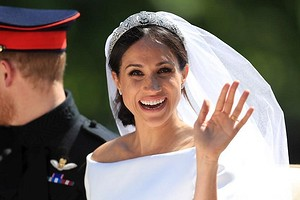 От сериальной актрисы до герцогини: как изменился язык жестов Меган Маркл