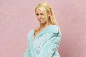 Яна Рудковская показала, как выглядит без макияжа