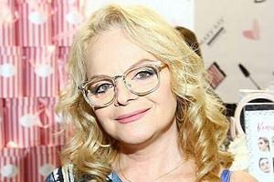 62-летняя Лариса Долина восхитила фанатов идеальной фигурой