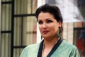46-летняя Анна Нетребко показала лучшее вечернее платье для полных женщин