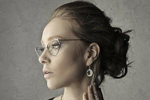 Как можно и нельзя прокалывать уши: гид по «опасным точкам»