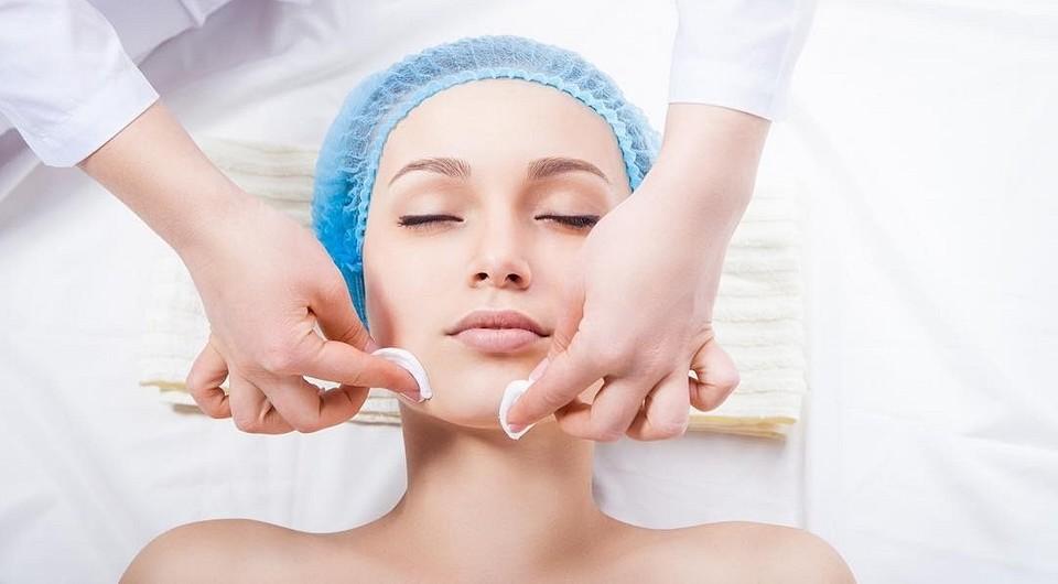 Чистка лица у косметолога аппаратная или механическая