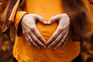 Хурма во время беременности: можно или нет?