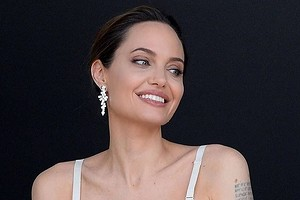 Анджелина Джоли пыталась помирить Брэда Питта со старшим сыном
