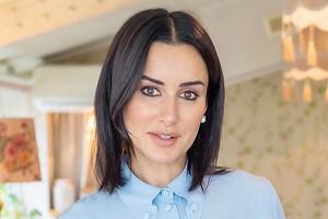 Тина Канделаки показала домашние тренировки для стройной фигуры (видео)