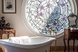 Позавидуют даже дизайнеры: как сделать витраж на стекле своими руками