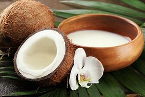 Энергия без жира и глюкоза без сахара: польза и вред кокосового молока для организма