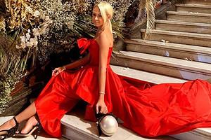 Яна Рудковская поделилась секретом своих стройных ног
