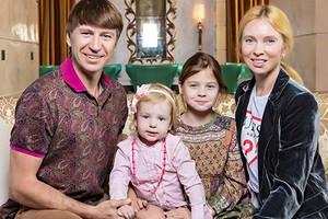 «Любовь— это просто слово»: Алексей Ягудин прокомментировал свои измены