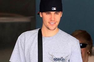 Джастин Бибер пришел на открытие бургерной Тимати в Лос-Анджелесе (видео)