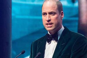 Принц Уильям пошел на концерт без Кейт Миддлтон и поцеловался с Ритой Орой