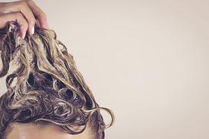 Нужен ли тебе кондиционер для волос (и 15 средств на любой бюджет)