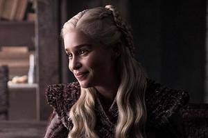 Эмилия Кларк призналась, что плакала во время съемок эротических сцен в «Игре престолов»
