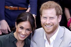 Королевская семья перестала общаться с принцем Гарри и Меган Маркл
