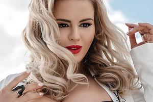Анна Семенович призналась, что готова стать матерью