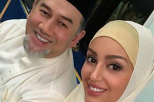 «Этоже страшный человек»: экс-король Малайзии обвинил Оксану Воеводину врасчетливости (азаодно ивсех русских девушек)