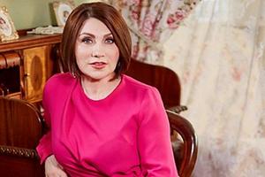 «Плевать»: 57-летняя сваха Роза Сябитова снялась топлесс ивысказалась освободе зрелых женщин