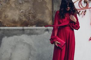 С чем носить длинное платье: 33 модных образа для любого случая и времени года