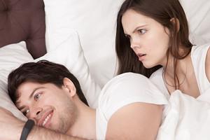 10 ситуаций, которые мужчины не считают изменой (а женщины - да!)