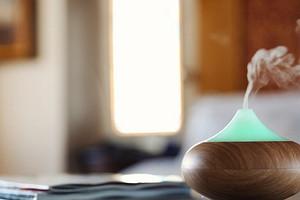 Как избавиться от запаха табака в квартире: 8 проверенных способов