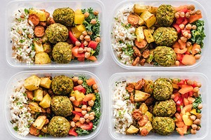 Разгружаемся после праздников: 3 блюда из риса, которые помогут сбросить до 3 кг