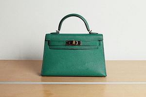 5 сумок, которые француженки давно отправили на свалку (а мы носим)