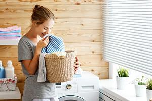 Как отстирать кухонные полотенца в домашних условиях: 15 способов (выведут даже сложные пятна)