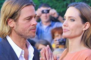 Анджелина Джоли уступила Брэду Питту и перенесла празднование Рождества