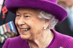 Королева Елизавета II«исключила» Меган Маркл ипринца Гарри изсемьи