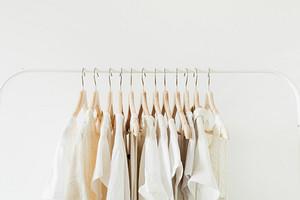 Одежда со сроком годности: 5 вещей, которые давно пора обновить