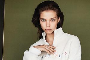 «Сделала это снова»: Алеся Кафельникова участвовала впоказе Chanel сДжиджи Хадид