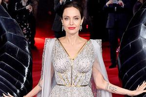 «Беспощадно оклеветала»: мама Брэда Питта возмутилась поведением Анджелины Джоли