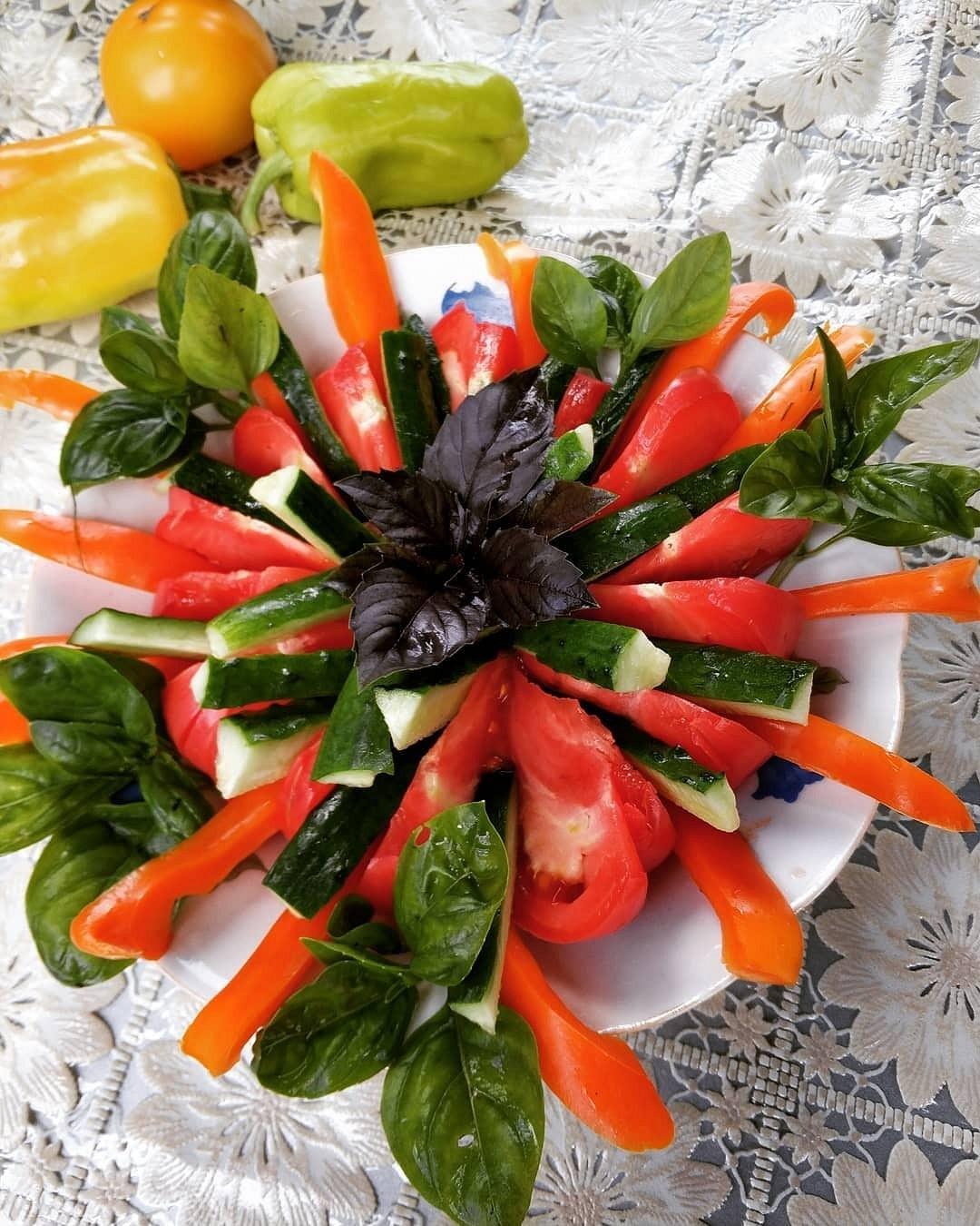 наталья показала украшения на блюда из овощей с фото только