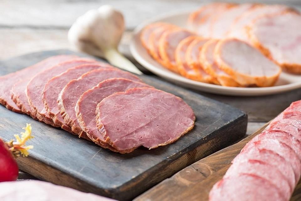 Как сделать мясную нарезку с красивым оформлением