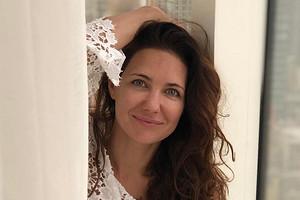 41-летняя Екатерина Климова похвасталась стройной фигурой в купальнике
