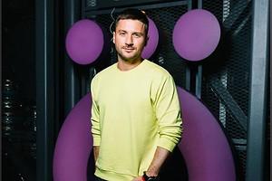 Сергей Лазарев опубликовал откровенное фото в образе Микки Мауса