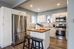 Правильное хранение: как убрать запах из холодильника и не испортить продукты