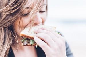 Интуитивное питание: как похудеть, слушая свое тело