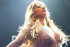 «Уровень Богиня»: концерт Дженнифер Лопес вМоскве восхитил российских звезд (видео)