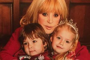 Алла Пугачева поделилась милым фото дочери Лизы в купальнике (видео)