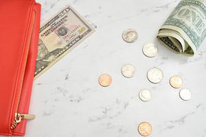 Волшебный кошелек: как правильно гадать на деньгах